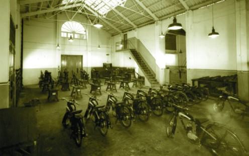 Fábrica de motos Villof , años 50, ubicada en la Avenida del Puerto de Valencia