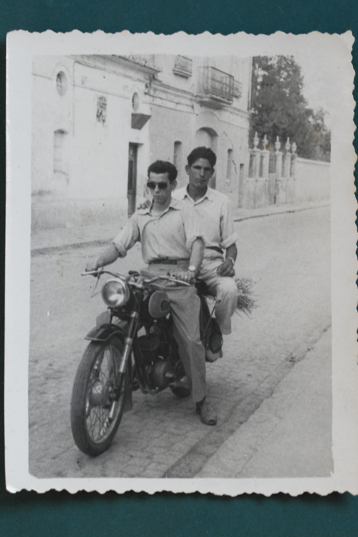 Amigos en moto Villof