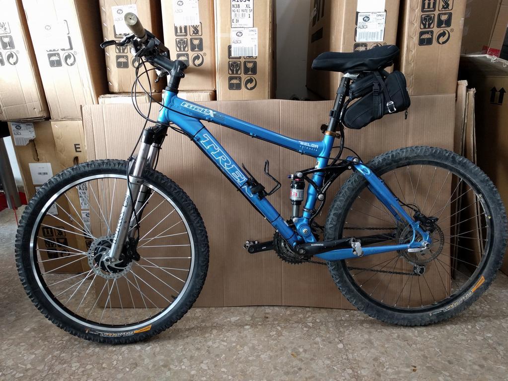 Bicicleta Treck transformada en bicicleta eléctrica