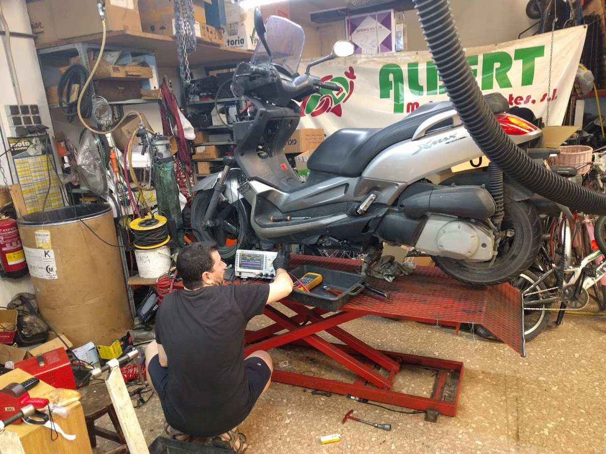 Reparacion moto Moncada