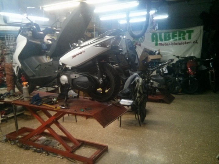 Taller de reparación motos Moncada